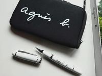 【白黒】モノトーンなMr.&Mrs.タイポクッションカバーと再販でやっと買えたアニエスベー - ほぼ100均で片付け収納に挑戦