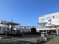 【多摩】生まれて初めて下りた福生駅の空は青くて広かった←電線地中化 - お散歩アルバム・・穏やかな寒の内