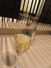 【グランドプリンスホテル高輪にチェックイン】ホテルで紅葉狩り - お散歩アルバム・・秋バラの頃