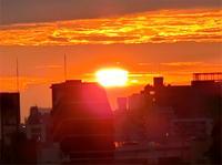 きれいな日の出 - のんびり街さんぽ
