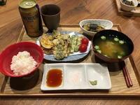 【献立】野菜天ぷら、茄子と大葉の味噌煮、ミニトマト、オクラのお味噌汁、ビール - kajuの■今日のお料理・簡単レシピ■