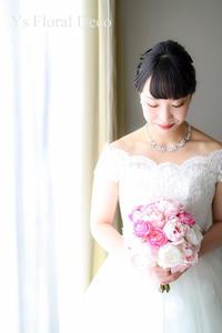 ハワイ挙式の新婦さんへピンク色のクラッチブーケ - Ys Floral Deco Blog