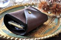 セミオーダーイタリアンレザープエブロ・2つ折りコインキャッチャー財布 - 時を刻む革小物 Many CHOICE~ 使い手と共に生きるタンニン鞣しの革