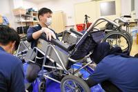 その車いす、危険かも?義肢装具学ぶ学生ら、整備担う - SPORTS 憲法  政治