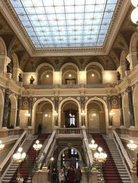 国立博物館の企画展示を見るビロード革命30周年記念旅行(22) - 本日の中・東欧