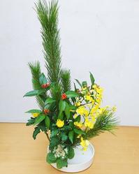 お正月のお花が運気を運んできます。 - おもちゃ箱ぐらし 青森市 お花教室  ケイ・フルール