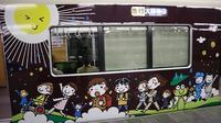 お洒落な阪急電車、楽しい阪急電車・・・最近特に子供たちがカメラを持って阪急沿線に立っています - 藤田八束の日記