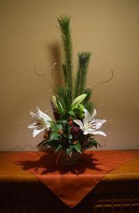 百合の花が咲いて来た正月花 - ヒバリのつぶやき