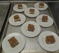 アメリカの職場で作ったラム酒入りのお菓子3種(バーボンキャラメルチーズケーキバー編) - じゃポルスカ楽描帳