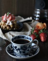 コーヒワッフルの朝ごはん - ゆきなそう  猫とガーデニングの日記
