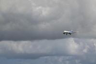 どんより空 - 南の島の飛行機日記