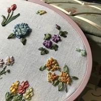 リボン刺繍の花々 - Oharibako no yousei