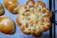 ロールパンとシナモンパン - ~葡萄と田舎時間~ 西田葡萄園のブログ