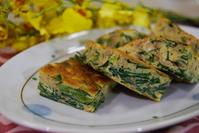 ニラとひき肉の卵焼き - 料理研究家ブログ行長万里  日本全国 美味しい話