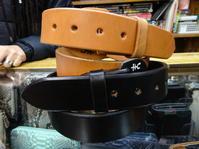 がっちり定番一枚革の極厚ベルトなり - 上野 アメ横 ウェスタン&レザーショップ 石原商店
