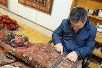 ヴェネツィアの歴史を繋ぐ、ペルシャ絨毯のアリ・キアニ工房 - カマクラ ときどき イタリア