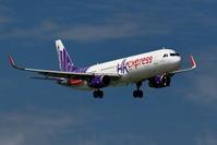 那覇空港 香港エクスプレス A321-200のアプローチ - 南の島の飛行機日記