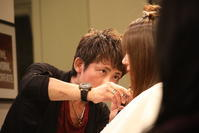 vol.123「YOSHITOの仕事」 - Monthly Live    営業後の美容室での美容師による単独ライブ