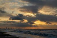 日本海の夕景2月 - デジタルで見ていた風景