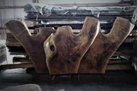 変な形の一枚板 - SOLiD「無垢材セレクトカタログ」/ 材木店・製材所 新発田屋(シバタヤ)