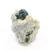 珍しいデマントイドガーネットの原石 - すぐる石放題