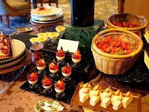 苺&ランチビュッフェ 森のストロベリーピクニック@ホテル椿山荘 - おいしいもの探し。