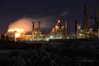 夜光の更地 - 僕と埠頭と工場で
