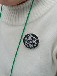 早速ブローチをつけてきていただきました♡ - 手刺繍屋 Eri-kari(エリカリ)