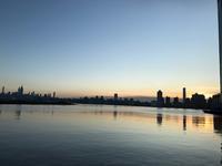 NYからのぼる朝日 ハドソンエクスチェンジ+スーパーマーケット - E*N*JOY
