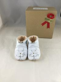 白い革に白のお花 - jiu sandals & baby shoes