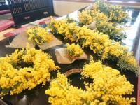 かわいい黄色のリース&スワッグ - 日本料理しみずや 気ままな女将通信