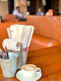 『Tamasha』で二人が再会したカフェ in ハウズカースヴィレッジ/デリー - 映画を旅のいいわけに。