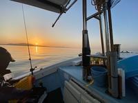 遊漁船に乗り島原沖へメバル釣りに行く - ステンドグラスルーチェの日常