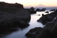 岩礁と赤富士2 - Patrappi annex