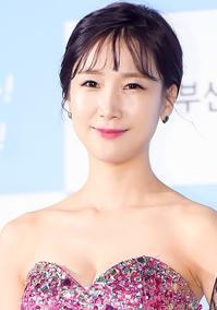 美貌の韓国女芸人パク・ソヨン衝撃の過去母親に整形前暴露される父親に美容クリニックに連れていかれた - 韓国芸能人の紹介 整形 ・ 韓国美人の秘訣    TOP