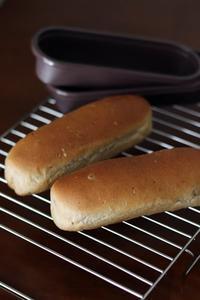 マルチシリアル入りドッグパン - Takacoco Kitchen