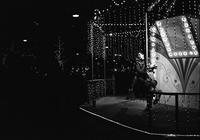 広島平和大通りの夜のメリーゴーランド - 照片画廊
