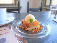 紅の夢のタルトタタン:弘大カフェ(弘前市) - 津軽ジェンヌのcafe日記