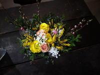 ひな祭りのアレンジメント。大谷地東3にお届け。2020/03/02。 - 札幌 花屋 meLL flowers