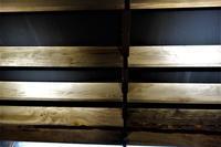 木の棚板セルフビルドDIY - SOLiD「無垢材セレクトカタログ」/ 材木店・製材所 新発田屋(シバタヤ)