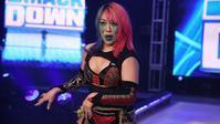 来週のSmackDownにアスカが登場し、アレクサ・ブリスと試合を行うことが発表される - WWE Live Headlines