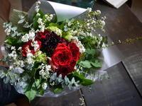 卒園式の花束。「赤バラメインで、明るく、可愛く、優しい雰囲気」。2020/03/14。 - 札幌 花屋 meLL flowers