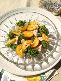 金柑と菜の花、煮豚のサラダ - Minha Praia