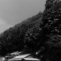 峠は春の雪 - Photo Break