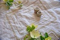 【レッスン参考作品】ハーダンガーランチョンマット(1) - 浜松の刺繍教室 l'Atelier de foyu の 日々