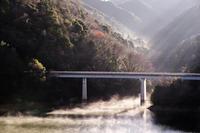 初冬の湖面 - katsuのヘタッピ風景