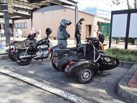 バイクの駐輪マナー、高速PAの駐輪場にて - SAMとバイクとpastime