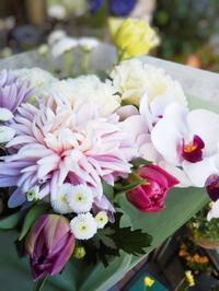 お供え 花束 - ブランシュのはなたち