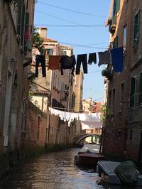 「名曲アルバム」ヴェネツィア編〜「ホフマンの舟歌」と「ゴンドラをこぐ女」 - カマクラ ときどき イタリア