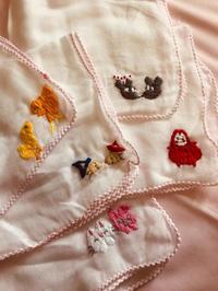 ガーゼハンカチ刺繍〜絵本シリーズ〜 - ささやかな喜び